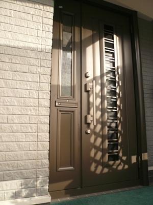 花丘建設ブログ-玄関ドア