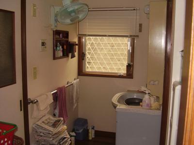 花丘建設ブログ-工事前洗面所