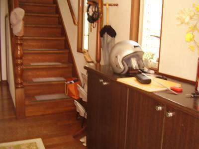 花丘建設ブログ-工事前玄関1