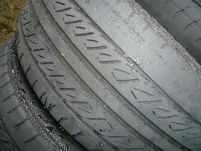 花丘建設ブログ-磨り減ったタイヤ
