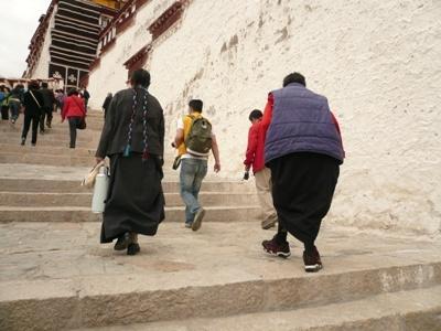 花丘建設ブログ-ポタラ宮の階段